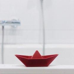 Czerwona łódeczka do kąpieli, piasku- Zsilt