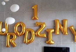 Napis z balonów na 1 urodziny